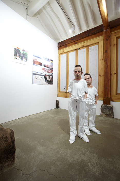 Enrique Marty, Ghost's Spirit, Installation View, ONE AND J. GALLERY, 2010