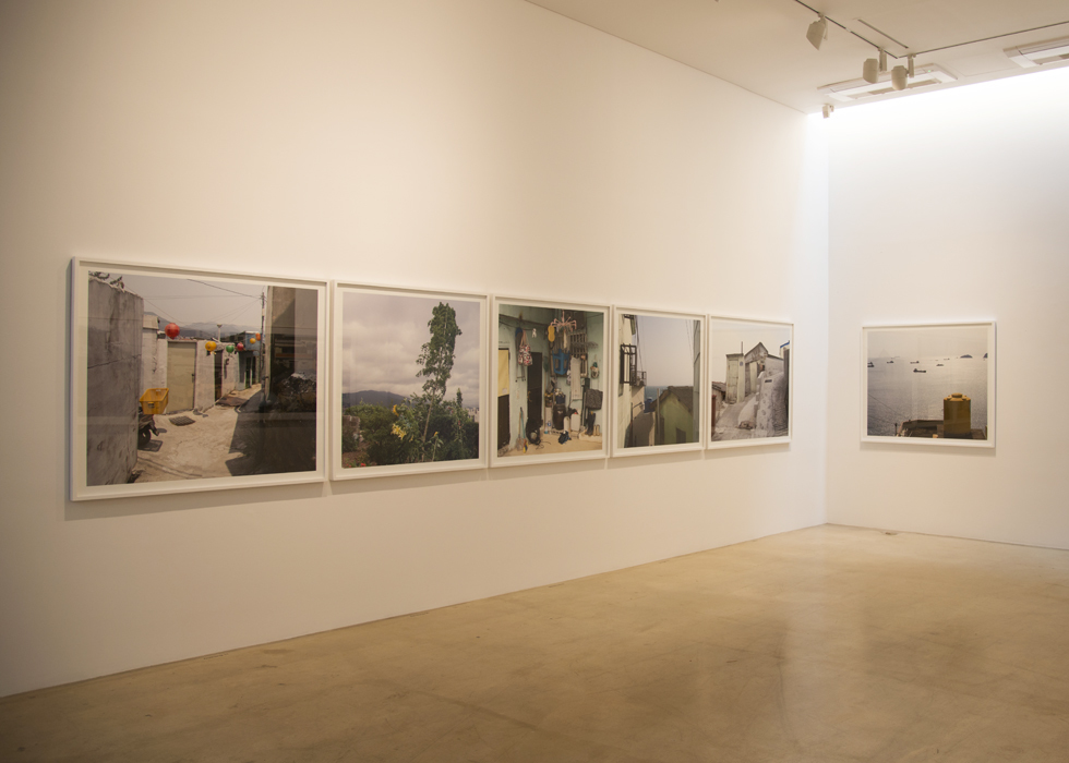 Honggoo Kang, The house of human being - proxemics busan, Installation view at ONE AND J.GALLERY, 2013