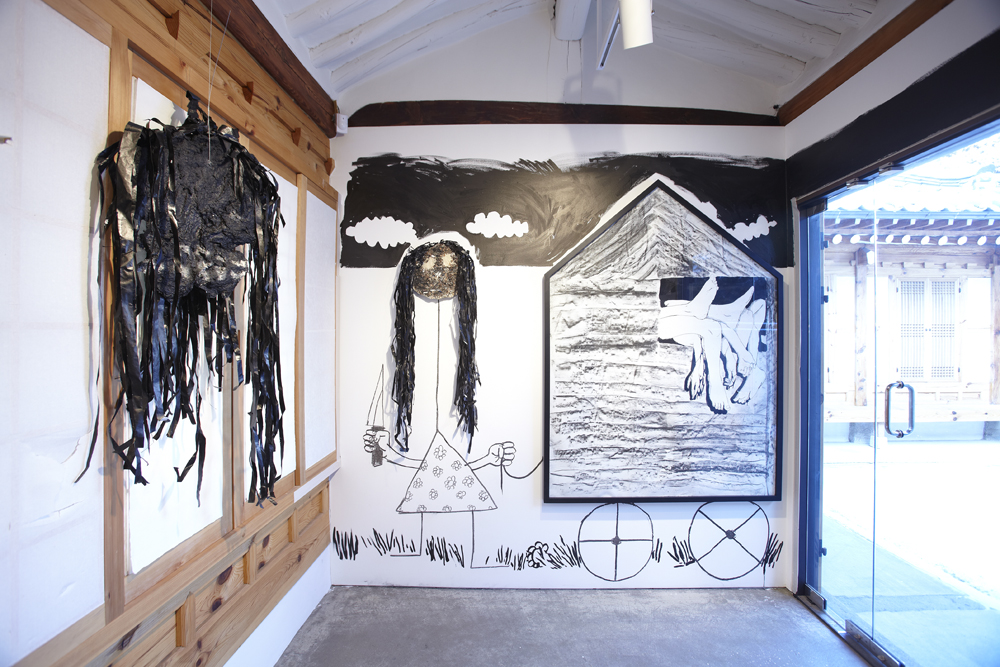 Jerome Zonder, Guignol's dust, Installation view, ONE AND J.GALLERY, 2010