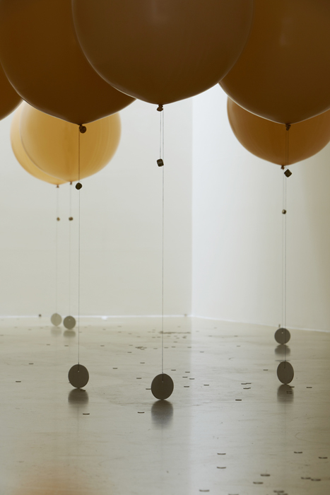 Ducks and drakes, Latex balloons, helium, hi-float, thread, aluminium, rubber bands, coins, 2014