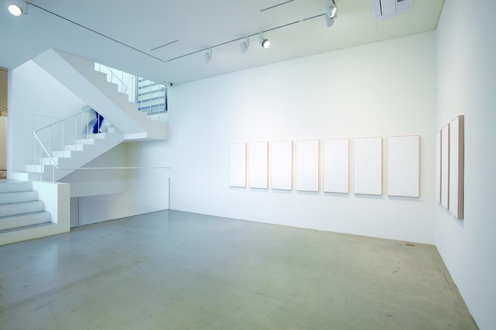 Yunho Kim, SAJINJEON, Installation view, ONE AND J.GALLERY, 2010