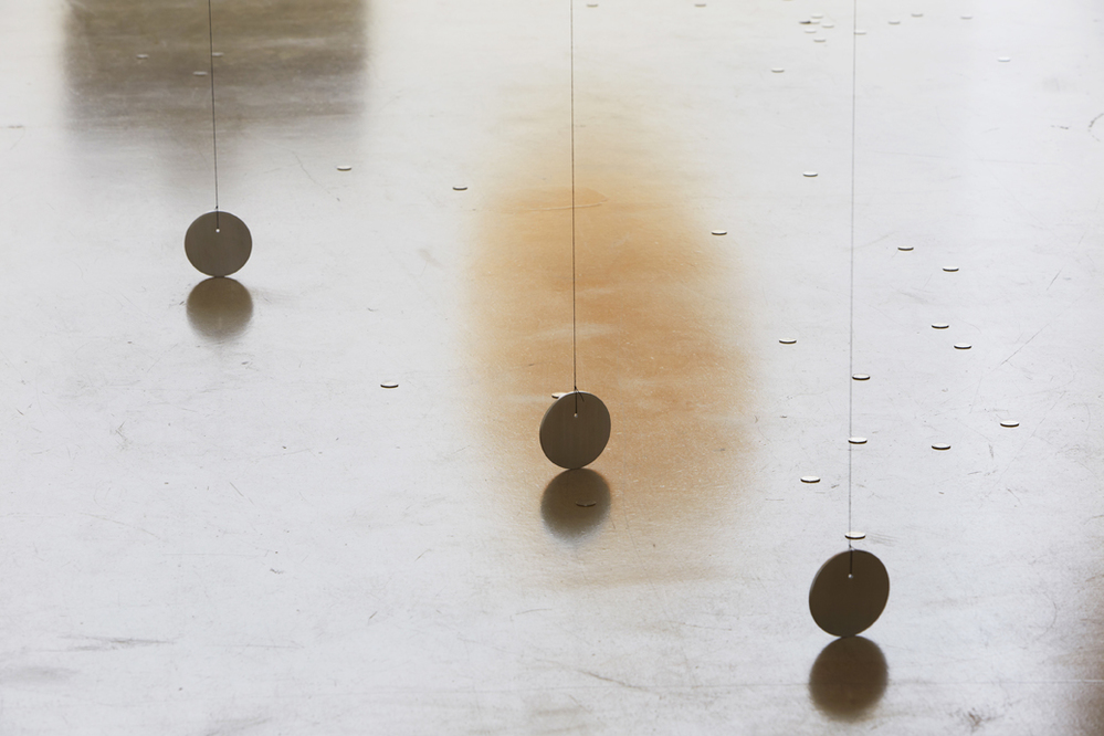 길초실, Ducks and Drakes, 라텍스 풍선, 헬륨, 하이 플로트, 실, 알루미늄, 고무줄, 동전, 2014