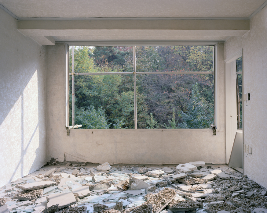 장민승, 4-301, Archival pigment printed on cotton-paper, 155x195cm, 2010