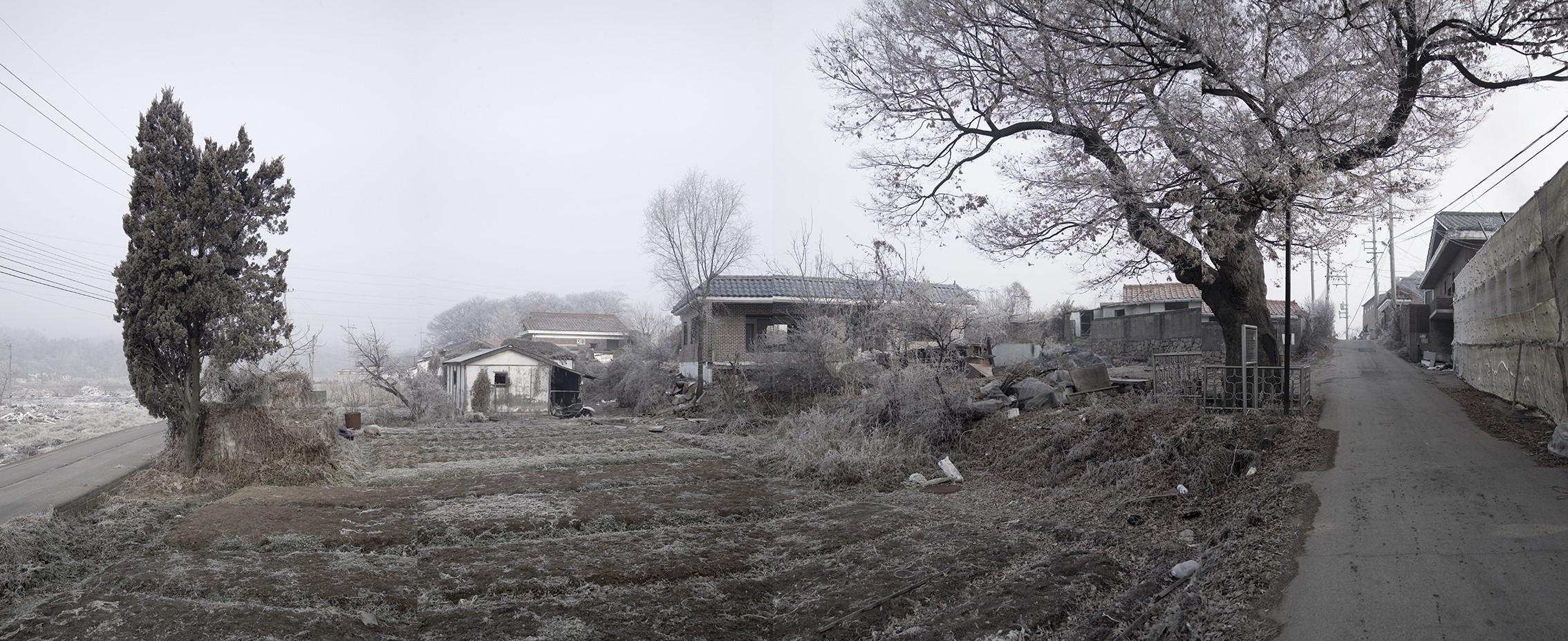 강홍구, 안개와 서리 32, 디지털 프린트, 110x240cm, 2008