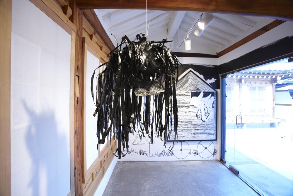 제롬 존더, 기뇰의 먼지, 전시장 뷰, 2009