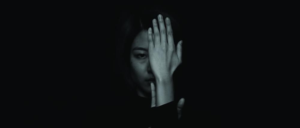장민승, 어둠의 최고조_Part I_서곡, BW 싱글 채널 2K 서라운드 사운드가 함께하는 디지털 사인 패키지, 25분, 2014