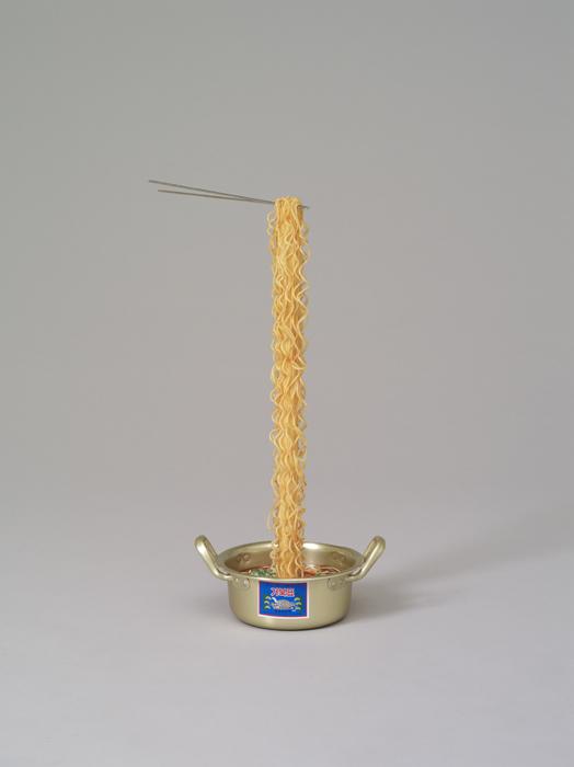 오승열, 라면(small), 합성수지, 25x56x24cm, 2011