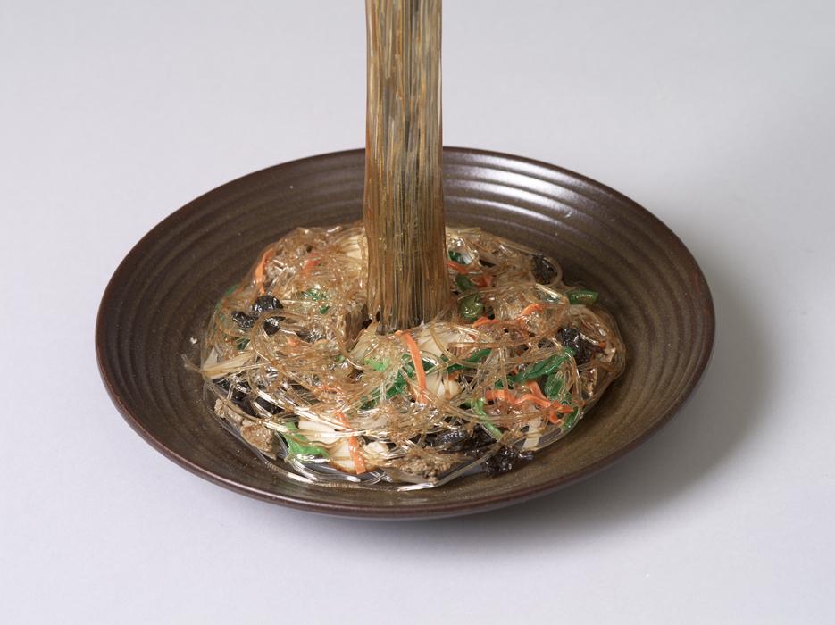 오승열, 잡채, 합성수지, 22x19cm, 2011