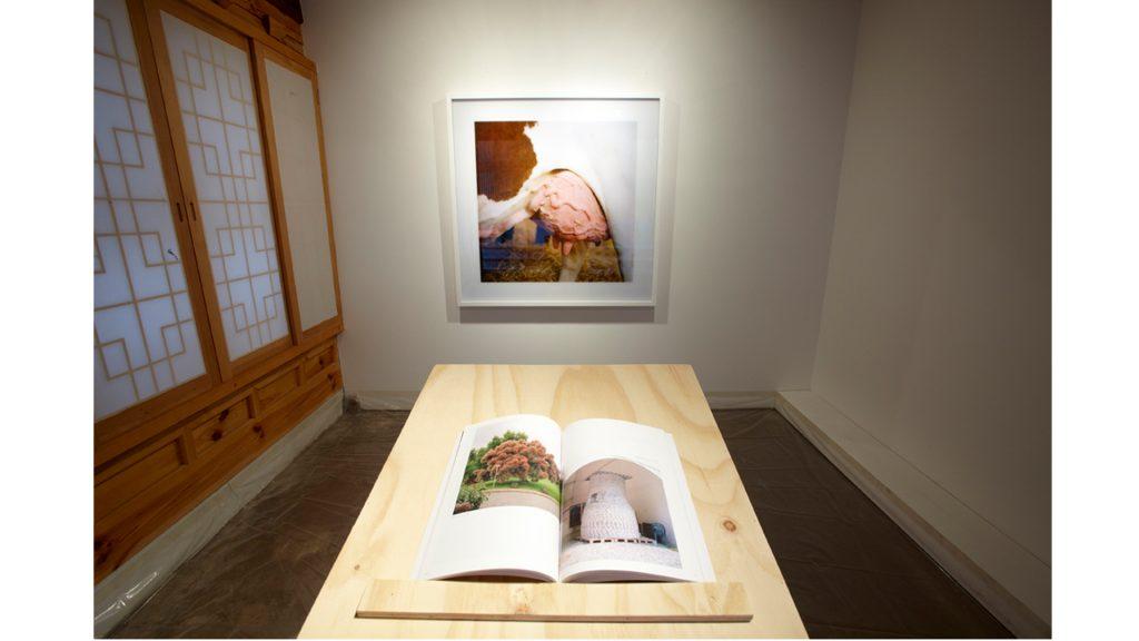 염중호, 80, Lambda print, 127x127cm, 2008