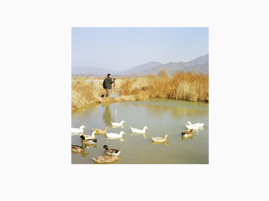 김윤호, 사진작가의 풍경 #20, Archival Pigment Ink, 80x80cm, 2003