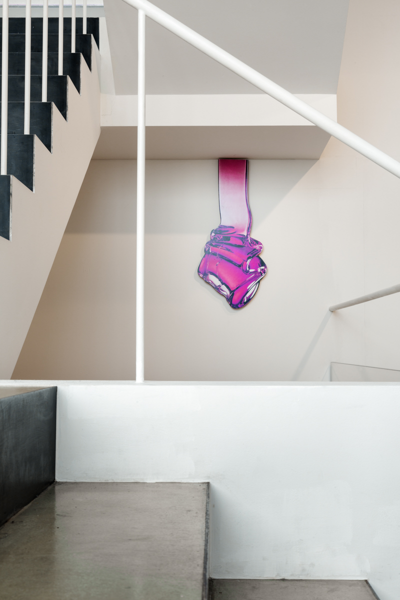 Teppei Kaneuji, 유동하는 방의 귀신(pink)#4, 잉크젯 프린트, 종이, 나무, 우레탄 코팅, 82x161x1.5cm, 2014
